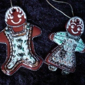 312-gingerbread-couple